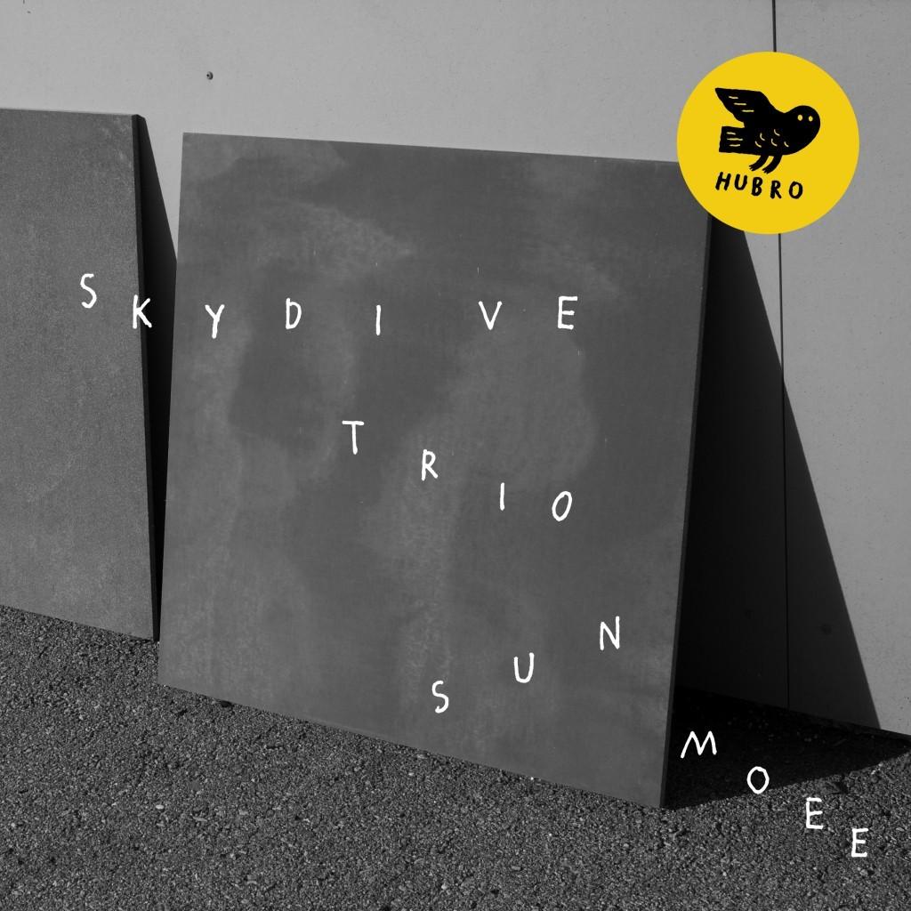 Skydive trio